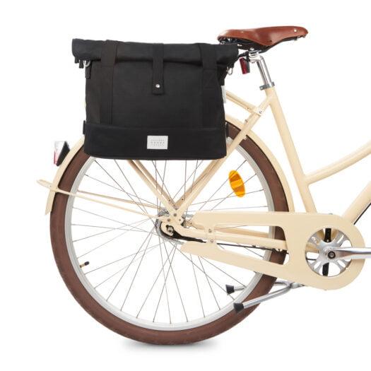 weathergoods-bicycle-bag-city-bike-satchel-black-bike-front