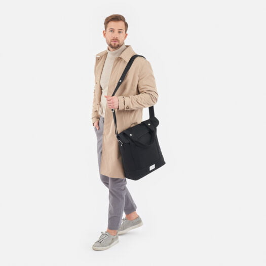weathergoods-bicycle-bag-city-bike-tote-black-man-shoulder-strap