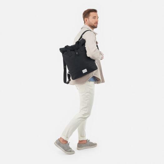 weathergoods-bicycle-bag-city-bikepack-black-man-shoulder-strap