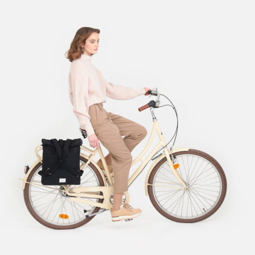 weathergoods-bicycle-bag-city-bikepack-black-woman-cycling
