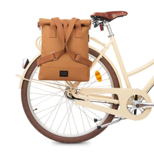 weathergoods-bicycle-bag-city-bikepack-cognac-bike-straps-2