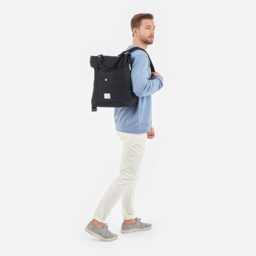 weathergoods-bicycle-bag-city-bikepack-xl-black-man-shoulder-strap